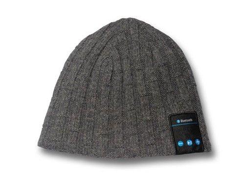 Da SportXtreme un #cappello #vivavoce, per parlare al telefono anche in inverno!