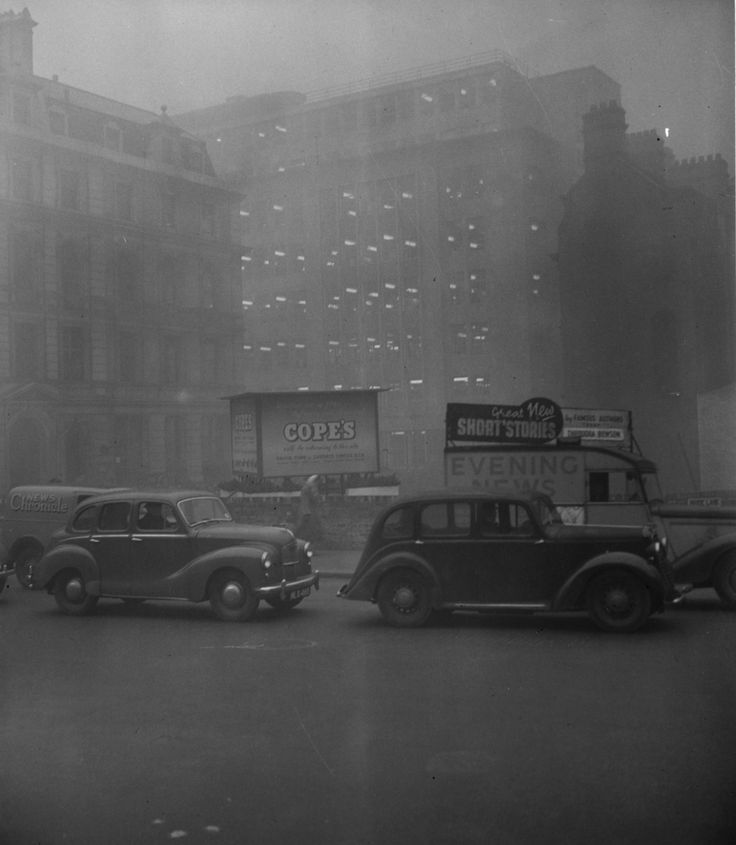 5 December 1952: Blackfriars, in the morning. | 26 Haunting Photos Of The London Fog