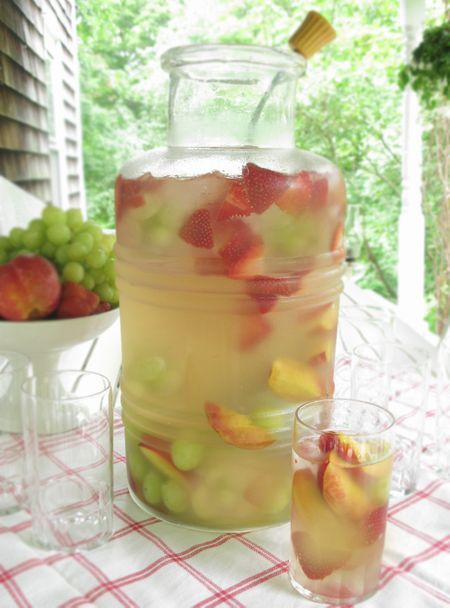 For a no-fail cocktail~Fresca, white wine, and fresh fruit such as peaches, strawberries and grapes. ~ love the presentation: Vintage Jars, Fruit Peaches, Summer Drinks, White Sangria, Summer Sangria, White Wine Sangria, Bottle White, White Wine 3, Fresh Fruit
