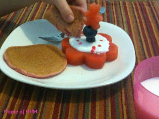 'Healthy Pink Princess Breakfast Cakes' - fun healthy breakfast for kids!
