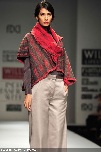 Google Image Result for http://photogallery.indiatimes.com/fashion/indian-shows/wifw-11-day-1-neeru-kumar/photo/7883512/WIFW-11-Day-1-Neeru-Kumar.jpg