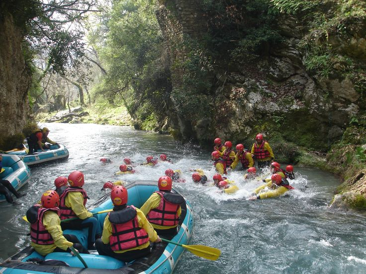 A sunny day in Lousios for rafting!