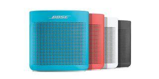 L'enceinte Bluetooth SoundLink ColorII est conçue pour produire un son puissant, dans un format compact synonyme de mobilité. Robuste et résistante aux projections d'eau, elle est conçue pour vous offrir un son puissant à emporter partout, en toute simplicité.