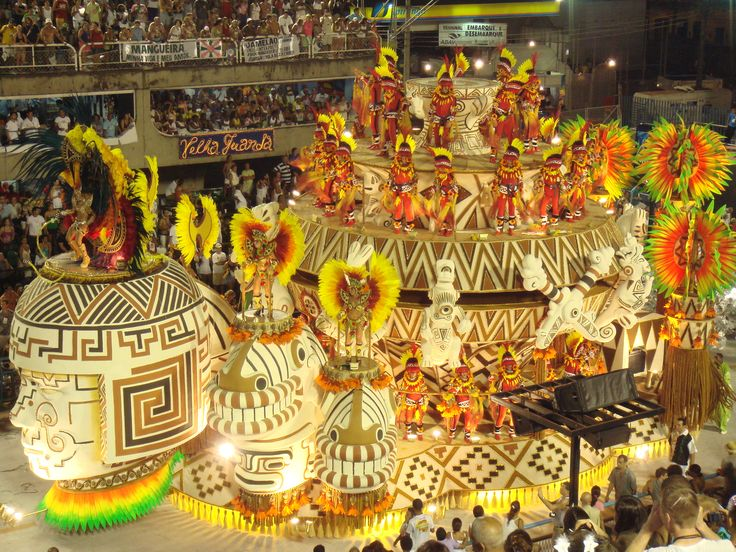 While the Samba Parade is the most well-known event of the Carnaval, the other highlights of the Rio Carnival are its street festivities, samba dancers dressed in elaborate costumes, music, and countless balls & parties held along the beaches and in nightclubs across the city are all hallmarks of the Carnival in Rio.