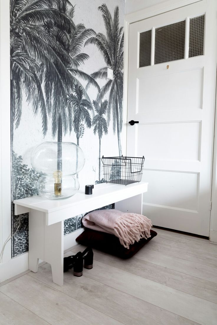 Palmtree wallpaper | Scandinavian bedroom | Botanic wallpaper