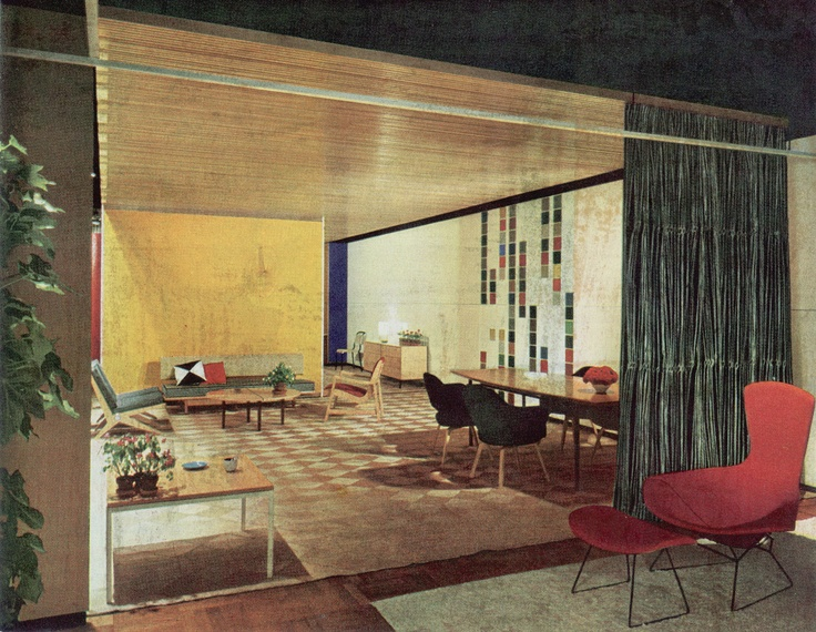 Knoll Chicago Showroom 1953 Bertoia Bird Chair In Foreground