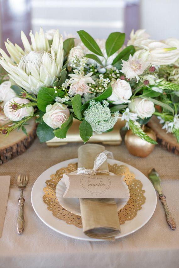Elegant Gold And Metallic Wedding Reception Table Decor Goldwedding Weddingdecor Weddingreception Tablesetting