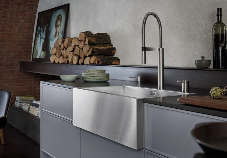 Die optimale Kombination von Küchenarmatur und Spüle ermöglicht ein Höchstmaß an Ästhetik und Funktionalität. BLANCO Mischbatterien sind bis ins Detail perfekt auf die Spüle abgestimmt. Beginnend beim Design über die Farbgebung bis hin zur individuell an die persönlichen Ansprüche angepassten Ausstattung…