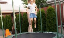 Tappeti elastici per bambini: appello di una mamma