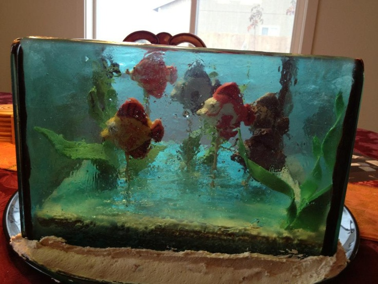 17 best images about my cake collection on pinterest car for Fish tank cake designs