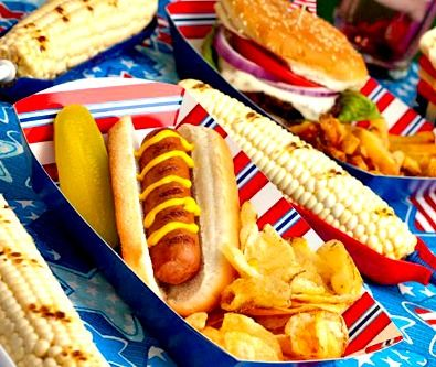 Celebrate Independence with a 4th of July picnic! #fourthofjulypicnics #independencedayideas
