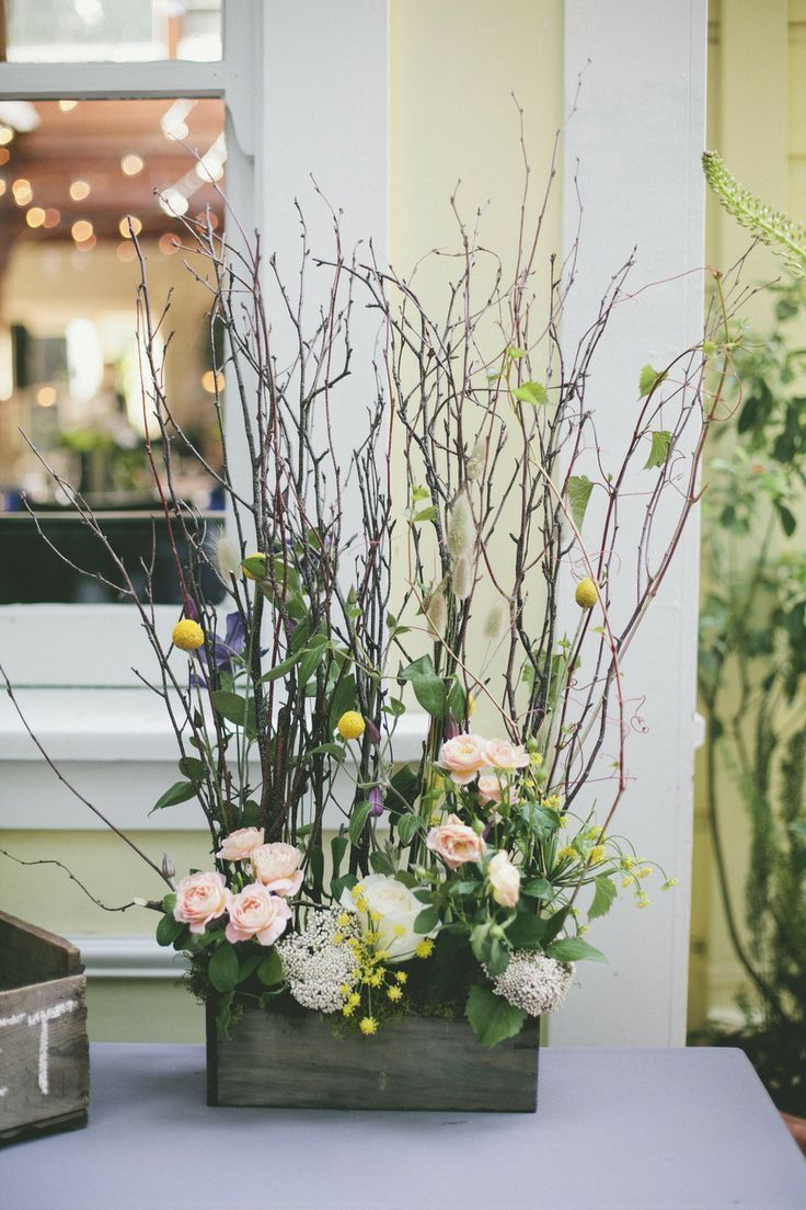 Florals and branches centerpiece ideas wedding and the for Floral arrangements with branches