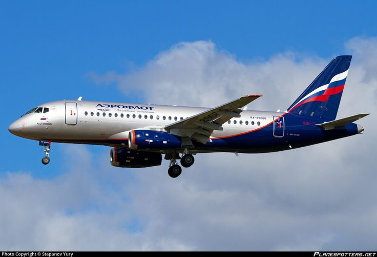 Aeroflot - Russian Airlines Sukhoi Superjet 100-95B RA-89060 aircraft, on short finals to Russian Federation Moscow Sheremetyevo International Airport. 01/09/2016.