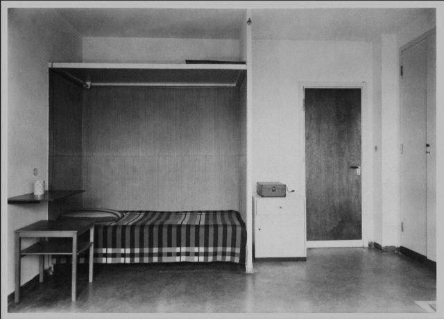 Dessau Bauhaus  Dorm Room  Bed in Alcove   Remodelista. 62 best Bauhaus Interiors images on Pinterest   Bauhaus interior