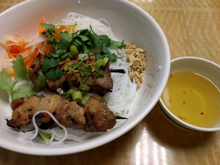Grilled chicken with rice vermicelli noodles.