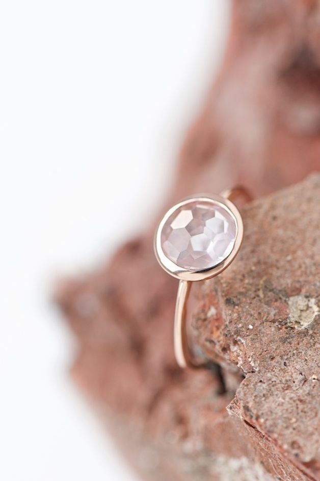 Zarter Goldring mit Rosenquarz, Verlobungsring / beautiful and classy engagement ring: rose gold with rose quartz by lebenslustiger via DaWanda.com