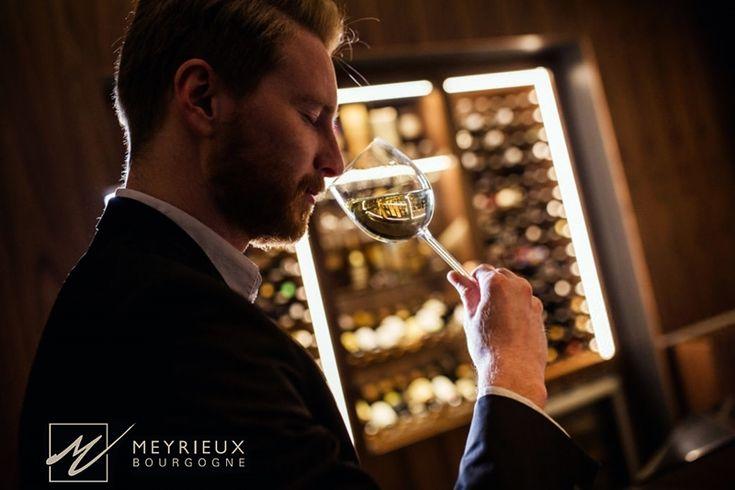 ¿Por qué deberías pedir siempre vinos blancos fermentados en barrica?