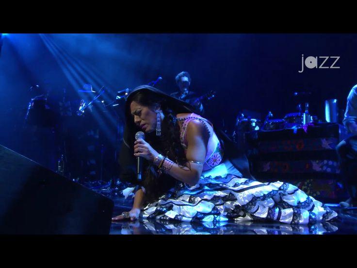 Lila Dawns en concierto