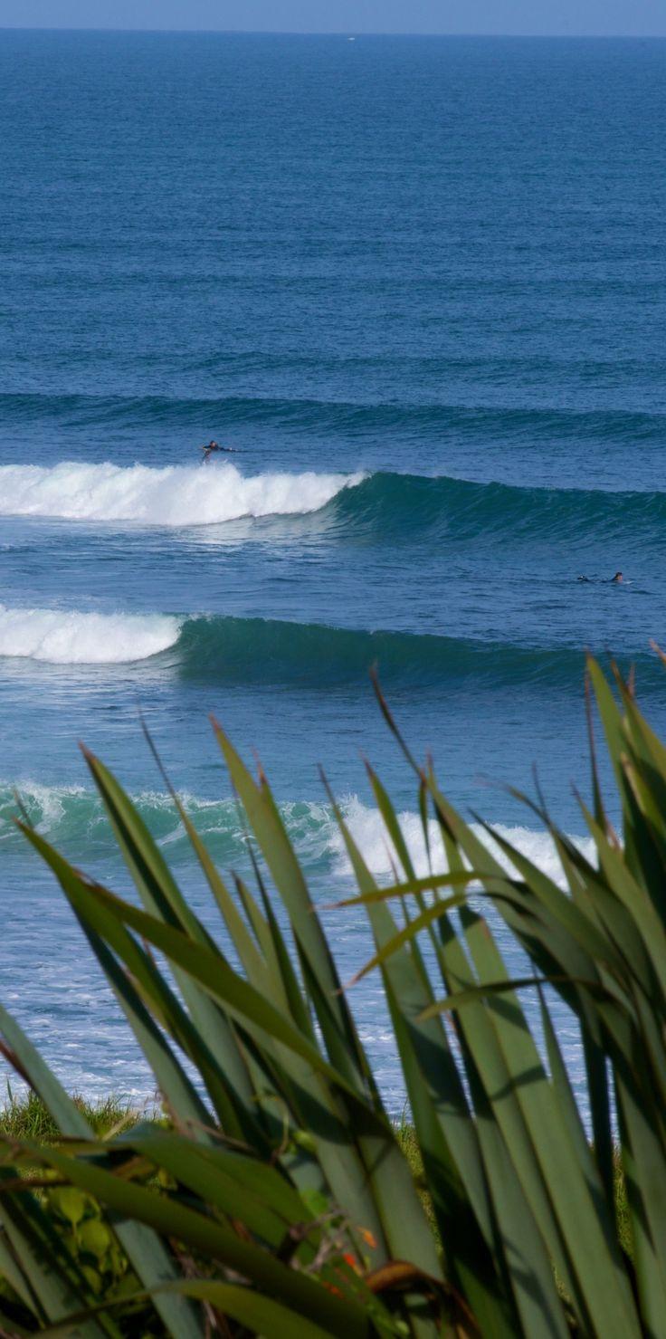 World top 10 surf spot - Whale Bay, near Raglan, New Zealand