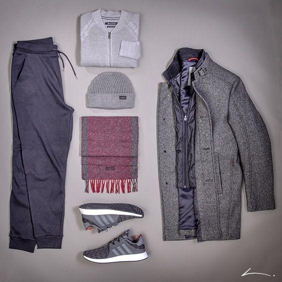 Outfit für Herren zum Modethema Opulenz | Mantel: Cinque, Pullover: Marc O'Polo, Hose und Mütze: Hugo, Schal: Boss, Schuhe: Adidas | mehr auf www.leffers.de