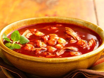 Como Hacer Pozole de Pollo - Receta de Pozole de Pollo | QueRicaVida.com
