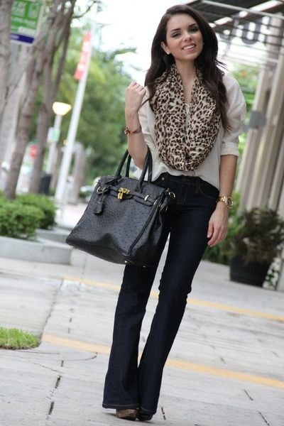 .Work Outfit With Scarves, Casual Friday, Work Outfit Animal Prints, Leopards Scarf, Infinity Scarf, Fall Outfits, Leopards Prints, Work Outfits, Dark Jeans