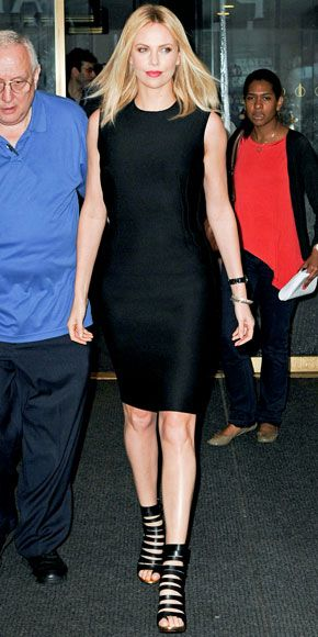 She is always so polish! Love her sleek edgy look! (Charlize ...