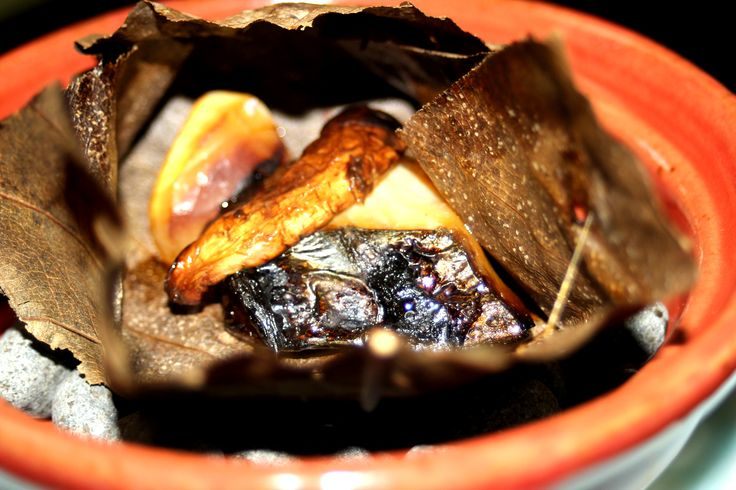 Hoba Miso(Grilling Food with Miso on A Hoba Leaf)/朴葉味噌