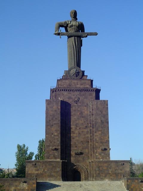 Mother of Armenia Monument/Armenian Military Mueseum