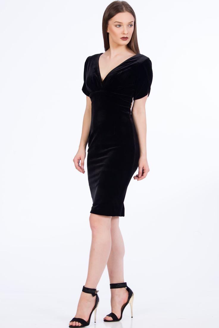 Soft Velvet Dress/ little black dress/ Rochie de catifea neagra. Rochii elegante/ rochii de seara/ rochii de ocazie  #velvet #fashion #dress #velvetdress #fallwinter2017