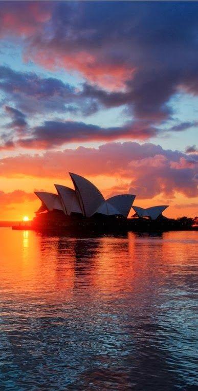 {Sydney Opera House, Australia} I soooo badly want to go to Australia. I'm not sure I want to take like a 19 hour flight though. Hmm, we'll see.