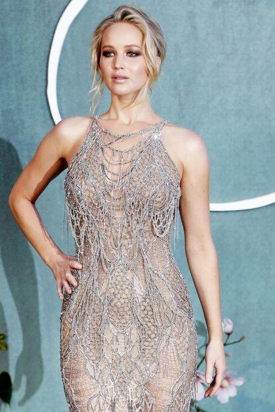 Jennifer Lawrence attends the 'Mother!' UK premiere on September 6, 2017 in London, England.