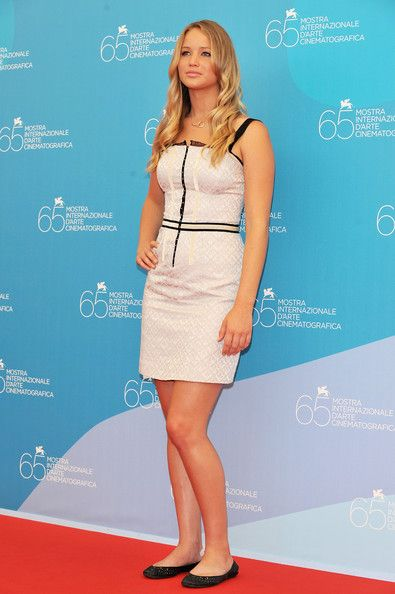 Jennifer Lawrence Photos Photos - Actress Jennifer Lawrence poses while attending the 'The Burning Plain' photocall at the Piazzale del Casino during the 65th Venice Film Festival on August 29, 2008 in Venice, Italy. - 65th Venice Film Festival: The Burning Plain - Photocall