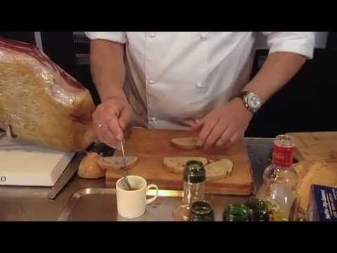Herman den Blijker -  Op de Spaanse markt Crostini's met tomaat