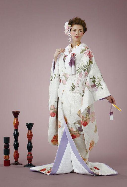 Japanese wedding style / HYURI Kamogawa Terrace. Uchikake Kimono.