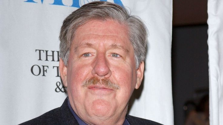 CELEBRITIES YOU MAY NOT KNOW ARE DEAD ††††† EDWARD HERRMANN ††  One actor who sadly won't be appearing in Netflix's Gilmore Girls revival is Edward Herrmann, who died on Dec. 31, 2014, after a tough battle with brain cancer. He was 71. Hermann played father to Lauren Graham's Lorelai and grandfather to Alexis Bledel's Lorelai on the hit WB series. Both actresses grieved his death in the early days of 2015.
