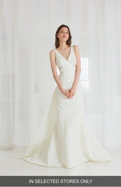 The 34 best Modern and Minimalist Wedding Gowns images on Pinterest ...