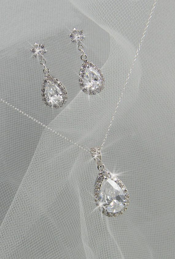 Hey, I found this really awesome Etsy listing at http://www.etsy.com/listing/109665612/crystal-bridal-set-bridesmaids-jewelry