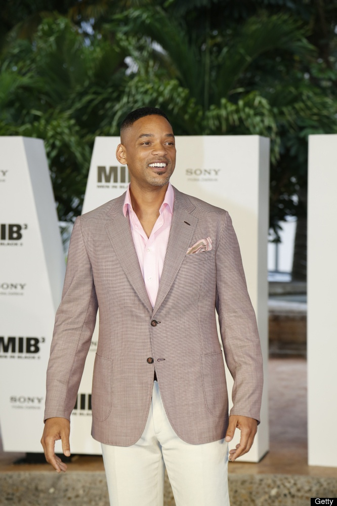 Will Smith promoting Men In Black 3. I can't remember the last movie I saw at the theatre. Hmn?