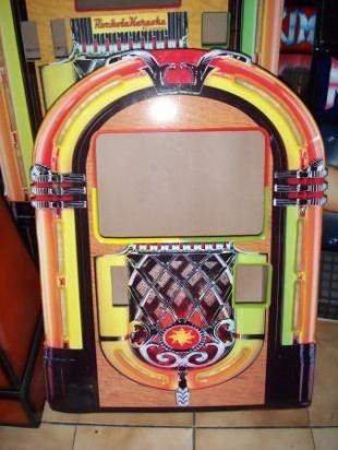 ROCKOLA KARAOKE VIDEOROCKOLAS DE PARED  http://www.alamaula.com.co/bogota/computadores-electronica/rockola-karaoke-videorockolas-de-pared/520080