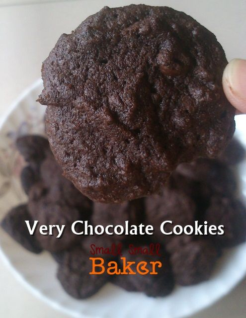 Small Small Baker: The Almost Famous Amos and Very Chocolate Cookies
