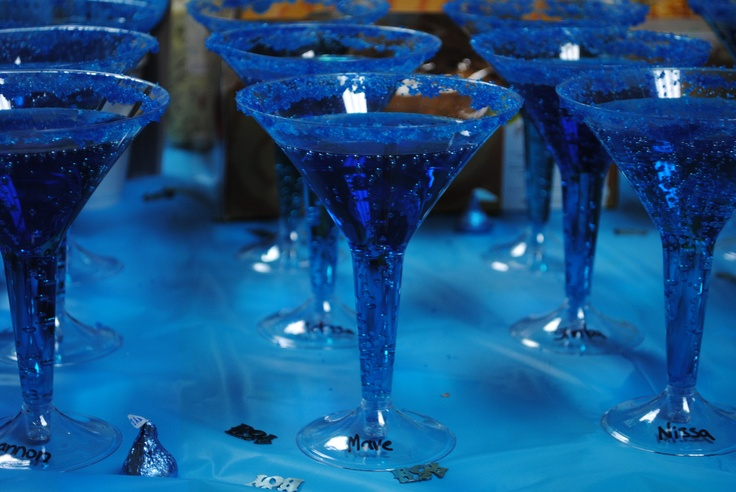how to make electric blue food coloring