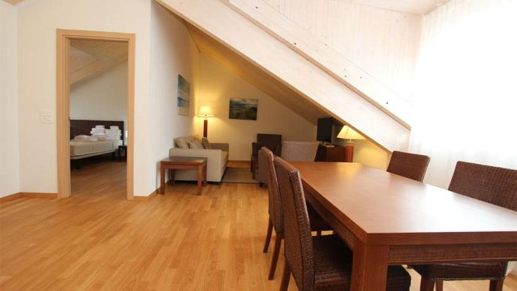 Rue de Berne 55-57 - Furnished apartment - GENEVA - Switzerland - CHF 3400 Furnished 3 room apartment for rent  Located between the lake and Cornavin's train station. Direct access to all utilities.  Very beautiful apartment including:   - an entrance hall   - a luminous liv