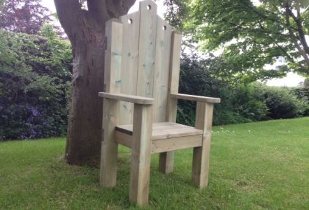 how to make a chair look like a throne
