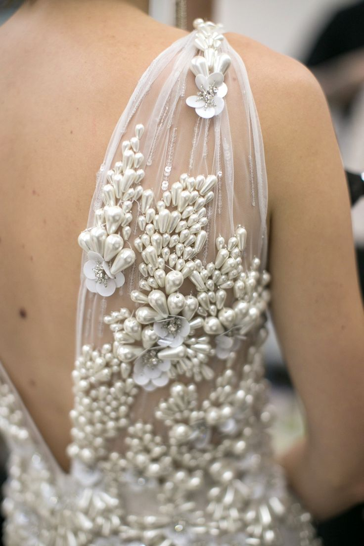 Dress with clustered pearl embellishments for elegant textures; fashion design detail // Naeem Khan Fall 2016