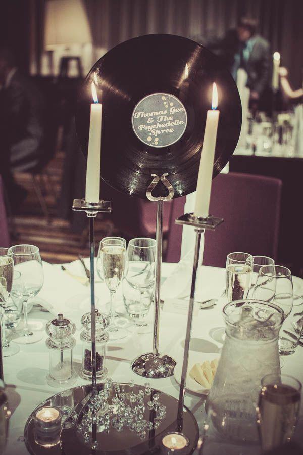 Table setting Swinging Sixties Sunshine Wedding: Kara & Gary