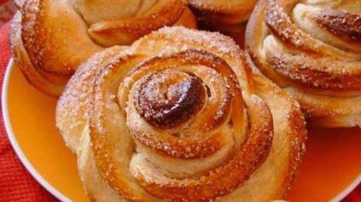 Ma egy nagyon finom sütemény receptjét hoztuk el nektek amelynek a formája rózsa alakú és az íze fenséges, kicsik és nagyok egyaránt rajonganak érte. Bármilyen alkalomra elkészíthető, mert már a látványa is fenséges. Hozzávalók: 450 g...