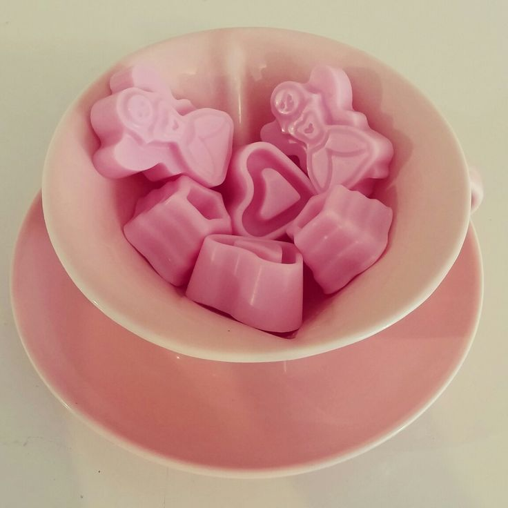 Just a cup of cuteness! #naturalsoymelts #freshraspberry www.ohmybymeli.com.au