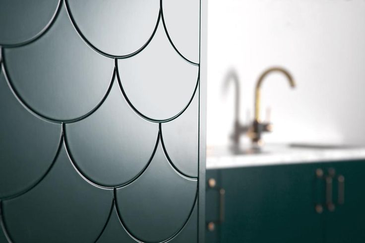 These doors by Superfront will complement your kitchen and add depth with bold, striking colours. The use of fish scales draws from natures patterns but is also reminiscent of vintage glass.