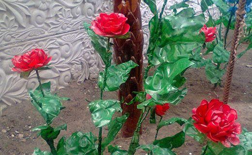Цветы из пластиковых бутылок - пышные розы - Цветы из пластиковых бутылок: кусты роз